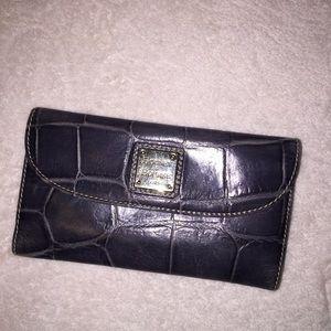 COPY - Dooney & Bourke Wallet